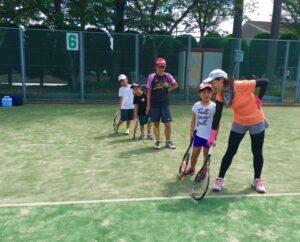 テニスコーチ